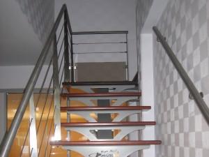 Escalier acier à limon central - Renault Traiteur (72)